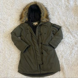 Michael Kors Army Green Down Feathered Parka with Faux Fur Hood size Medium